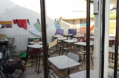 Destrozos por la voladura de techos en el Colegio Joan Miró.