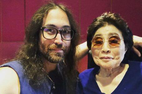 Yoko Ono a los 87 años le cede todas sus empresas a su hijo Sean