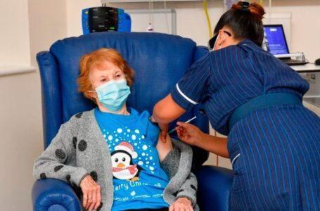 Comenzó en el Reino Unido la vacunación contra el coronavirus