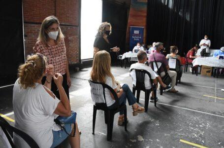Vacunación personal de salud considerados de primera línea de Funes
