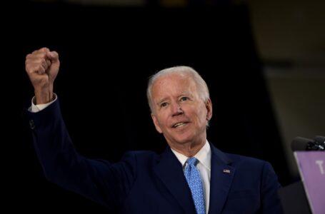 Enfrentado a múltiples crisis, Biden asume la presidencia