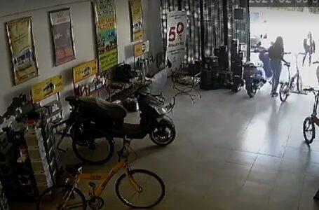 Robaron una bicicleta del comercio Baterías Express