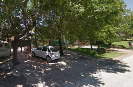 Desvalijaron un automóvil Volkswagen Gol en el límite de Funes