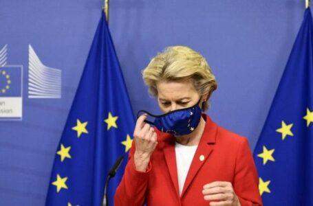 """La UE reconoce haber sido """"demasiado optimista"""" con la capacidad de producción de vacunas"""
