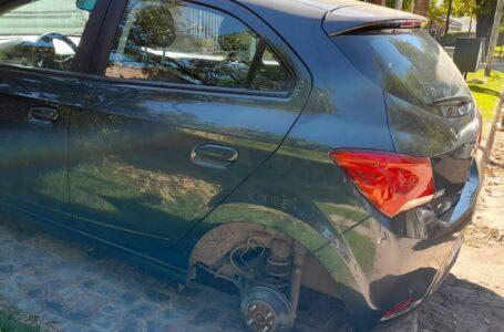 Robaron la rueda de un automóvil Chevrolet Onix y van….