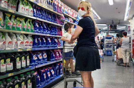 Las ventas en los supermercados bajaron 8,8 % durante marzo
