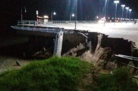 Se derrumbó la barranca del Parque España