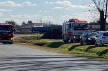 Bomberos Voluntarios de Roldán acudieron a socorrer a una casa en llamas