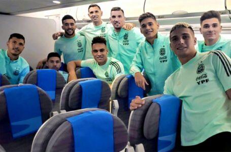 TRAS LA SUSPENSIÓN DEL PARTIDO: El seleccionado argentino llegó a Ezeiza