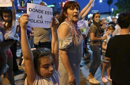Cientos de personas reclamaron justicia y seguridad tras el asesinato de un arquitecto en Rosario